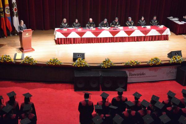 149 graduados de estudios posgraduales