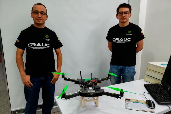 Unicentralistas desarrollan dron para tareas agrícolas