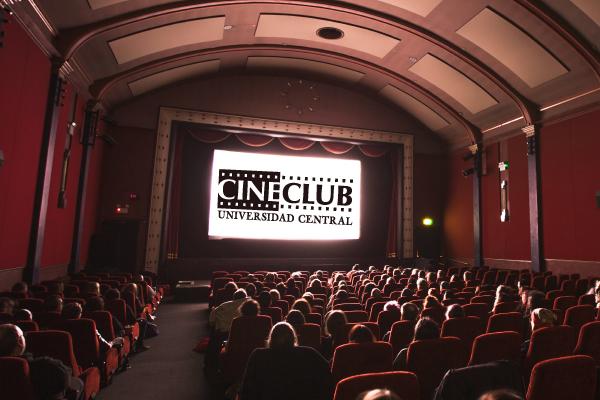 Proyección de la película Gen Hi8 y conversatorio con el director