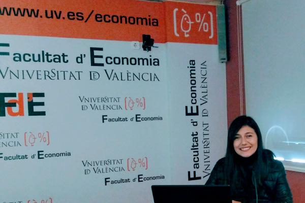 Reconocimiento a tesis doctoral de Marcela Suárez, docente de Contaduría Pública