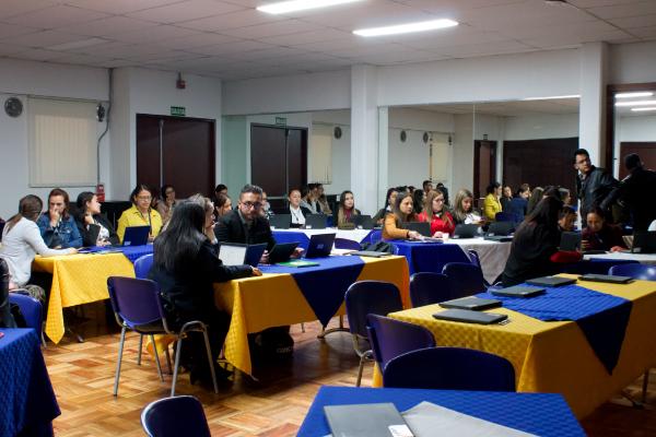 Trabajo Social capacitó a 60 orientadoras y orientadores escolares de los colegios Colsubsidio