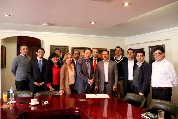 U. Central firma convenio con asociación de joyeros de la Candelaria