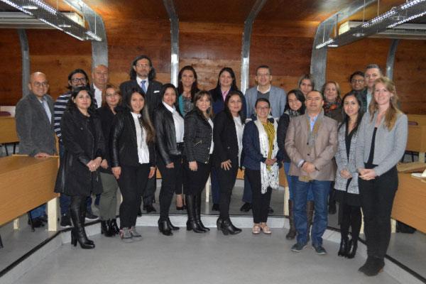 Estudiantes de la Maestría en Tributación de la U. Central de intercambio en Chile