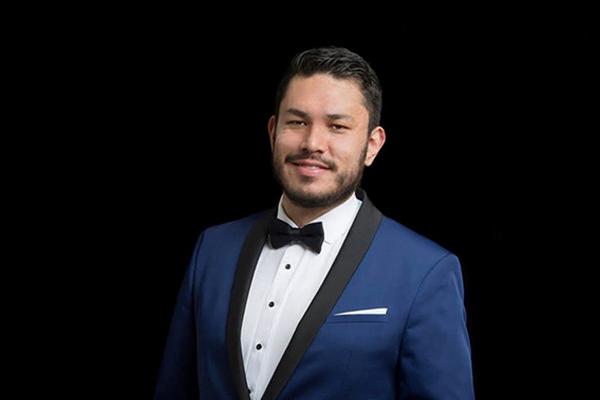 Christian Correa Guzmán, 2do. lugar en concurso de canto lírico