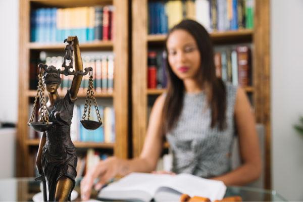 ¿Estudiar Derecho hoy en día? Una profesión con pasado, presente… y futuro