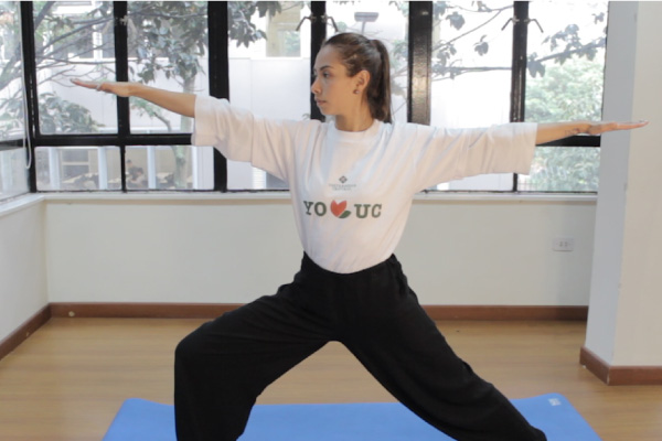 Kali Vasla, instructora de Yoga de la Universidad Central